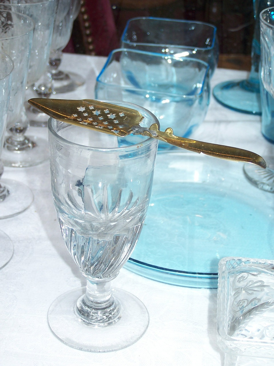 absinthe glass crystal free photo