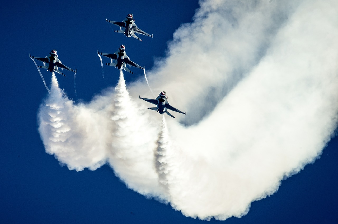 air show thunderbirds formation free photo