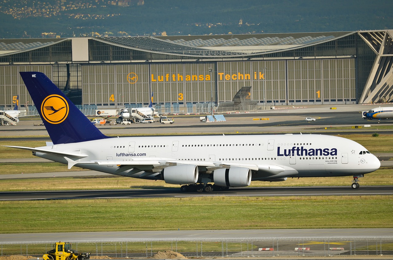 airport, frankfurt, a380, airbus, lufthansa, technology, hangar, airliner, air traffic, travel,free pictures, free photos, free images, royalty free, free illustrations, public domain