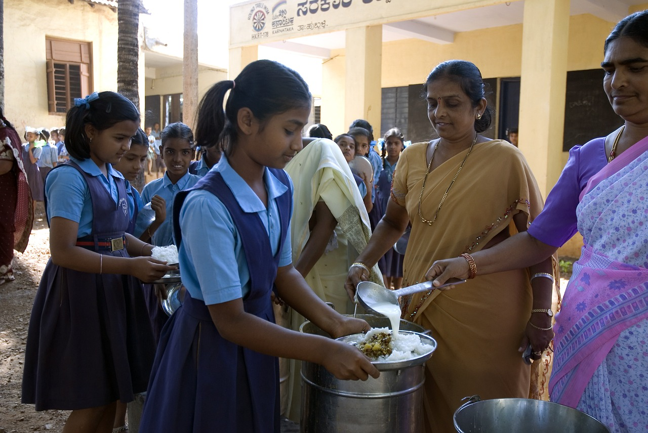 akshaya patra mid-day meal children free photo