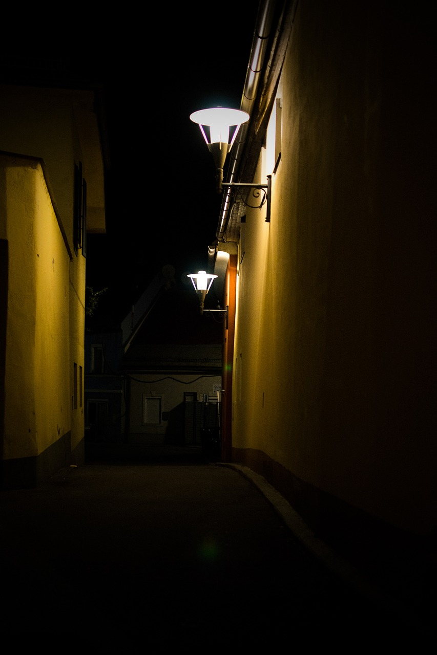 alley road lantern free picture