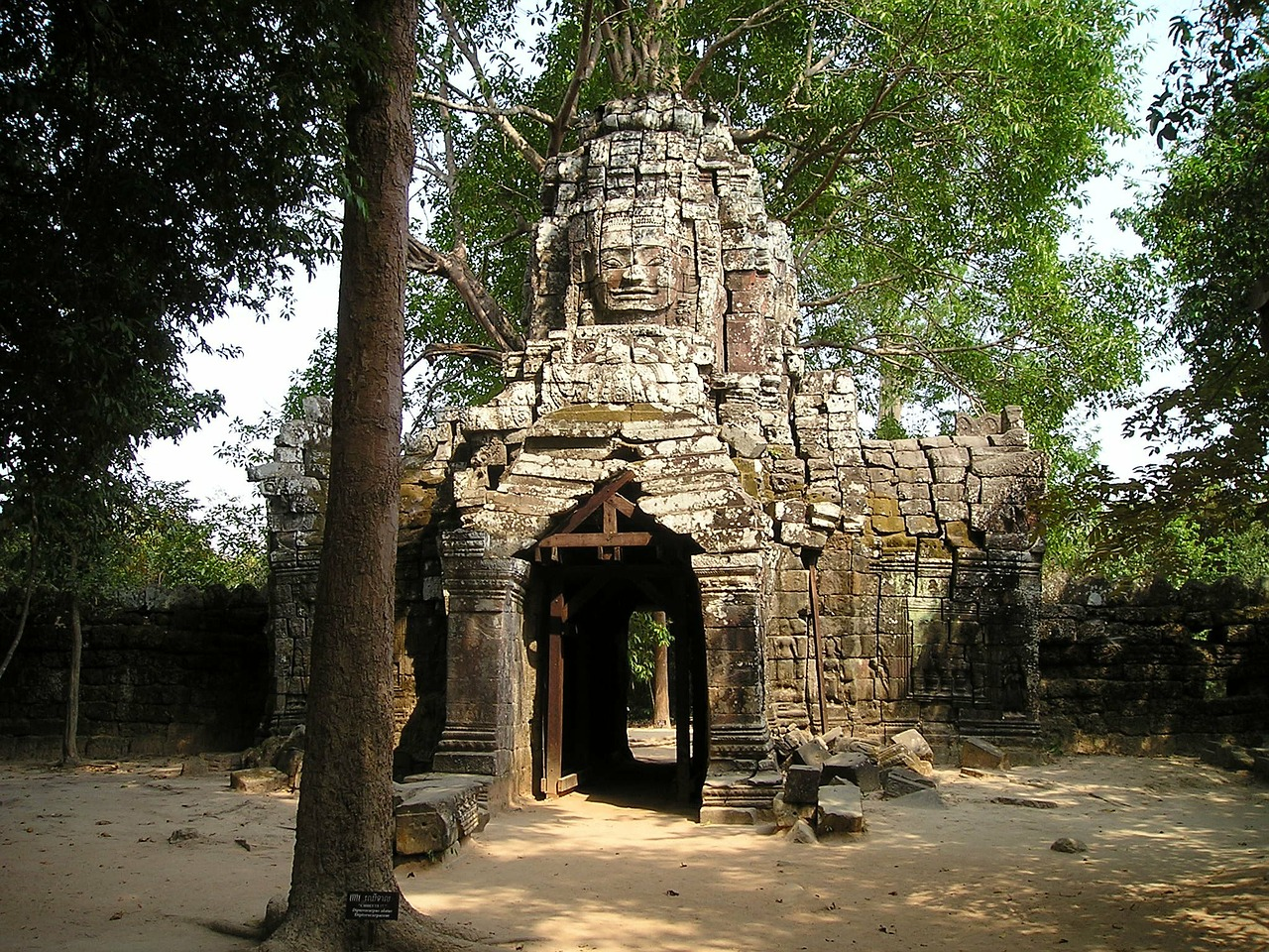 angkor wat cambodia free photo