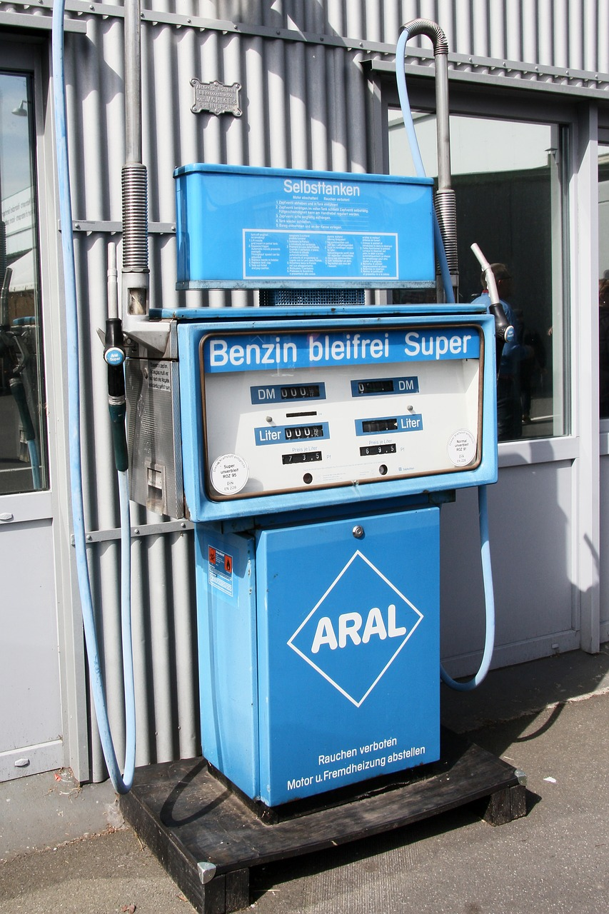 aral petrol stations old free photo