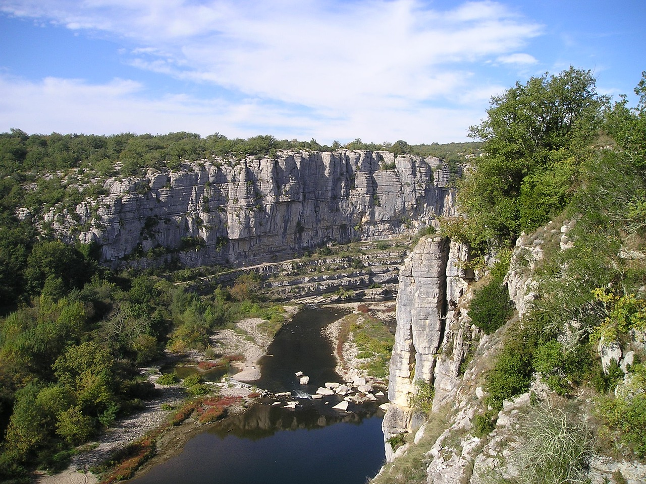 ardeche gorge rock climbing free photo