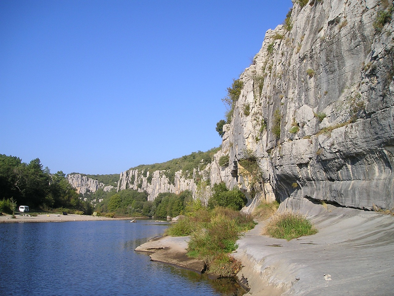 ardeche gorge rock climbing free picture
