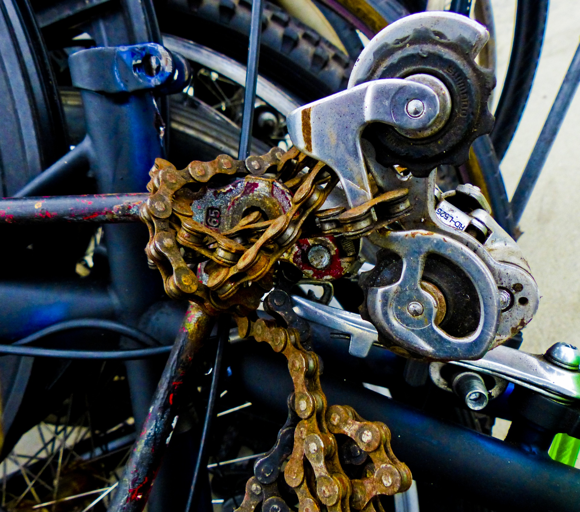 Urban Art Bicycle Chain Bike Parts Old Bicycle Parts Piled Up Free