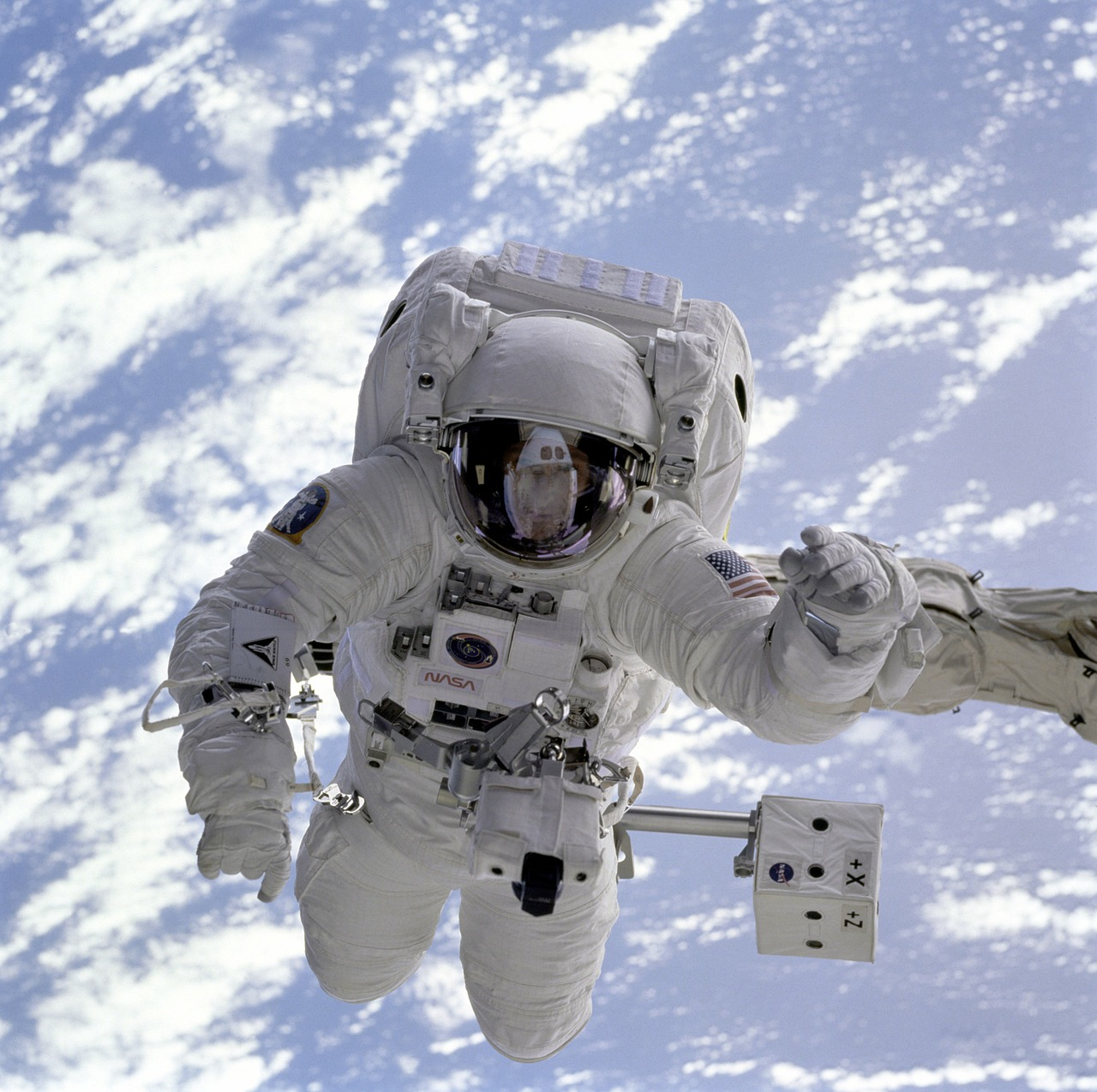 astronaut space shuttle space walk free photo