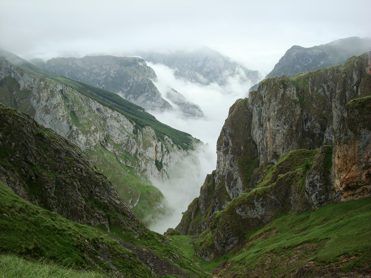 asturias ascension urriellu peak free photo