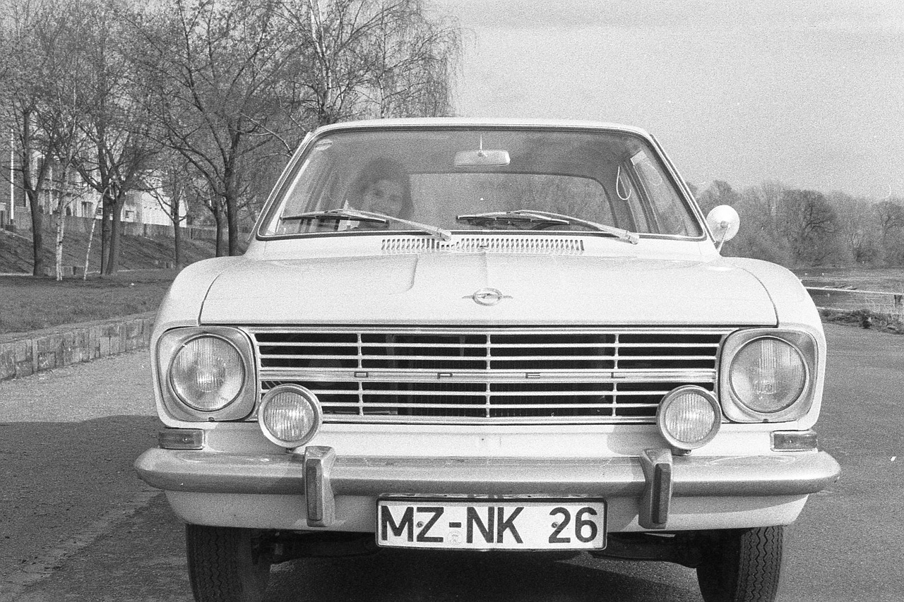 auto,oldheimer,old,opel,cadet,1967,classic,opel kadett,vehicle,black and white,free pictures, free photos, free images, royalty free, free illustrations