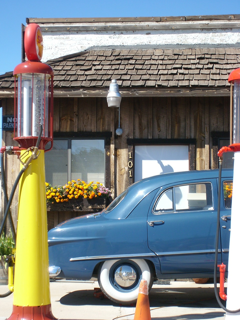 auto oldtimer petrol stations free photo