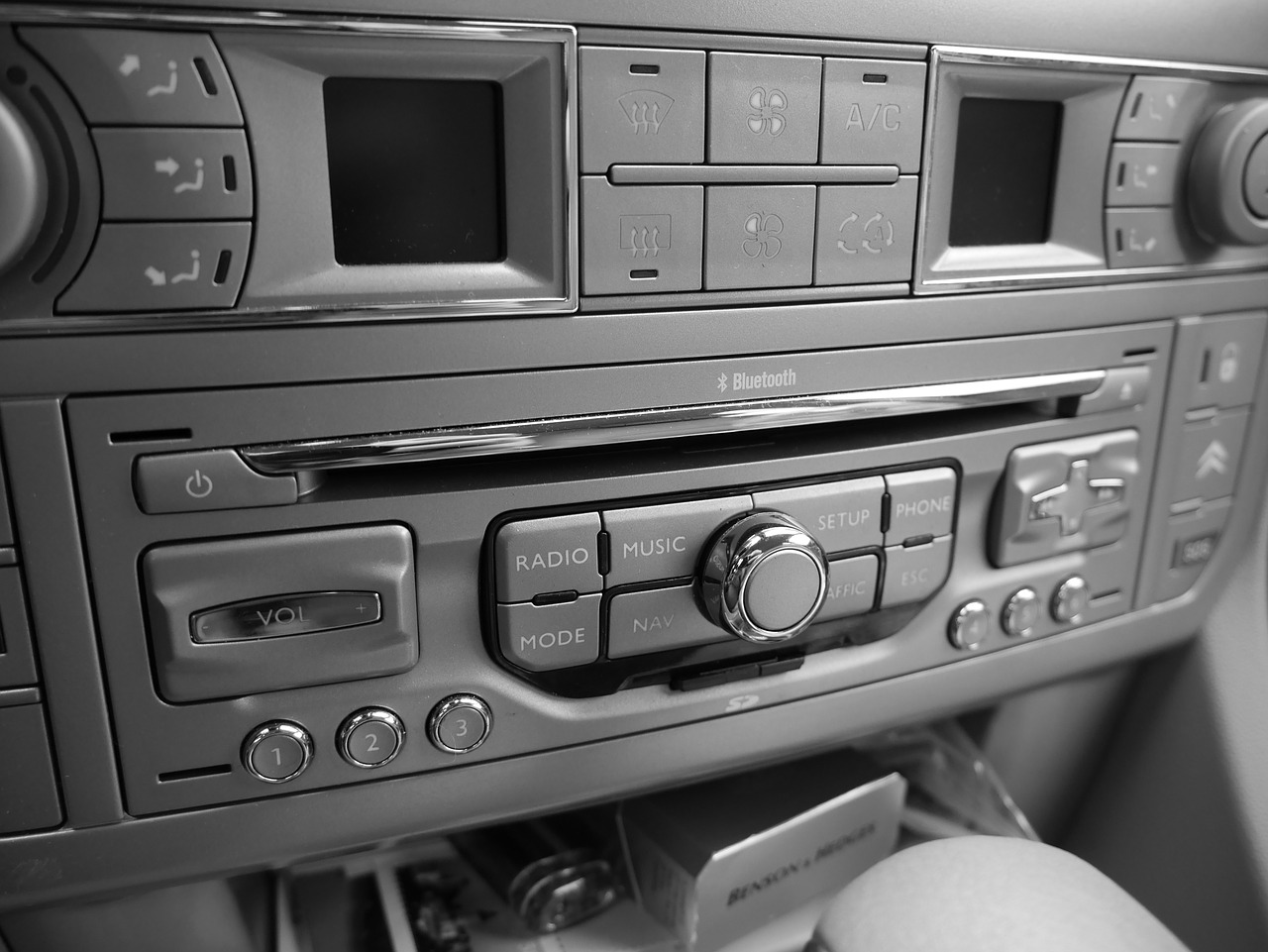 autoradio radio music system free photo