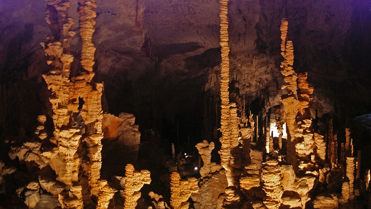 aven d'orgnac cave stalactite free photo