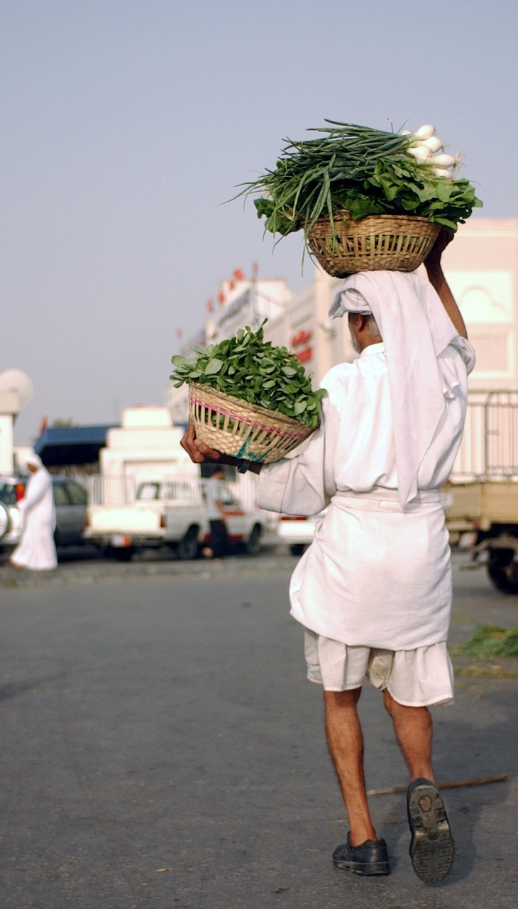bahrain vegetables man free photo