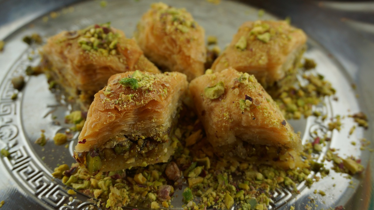 baklava with pistachios  oriental pastries  sweet pastries free photo
