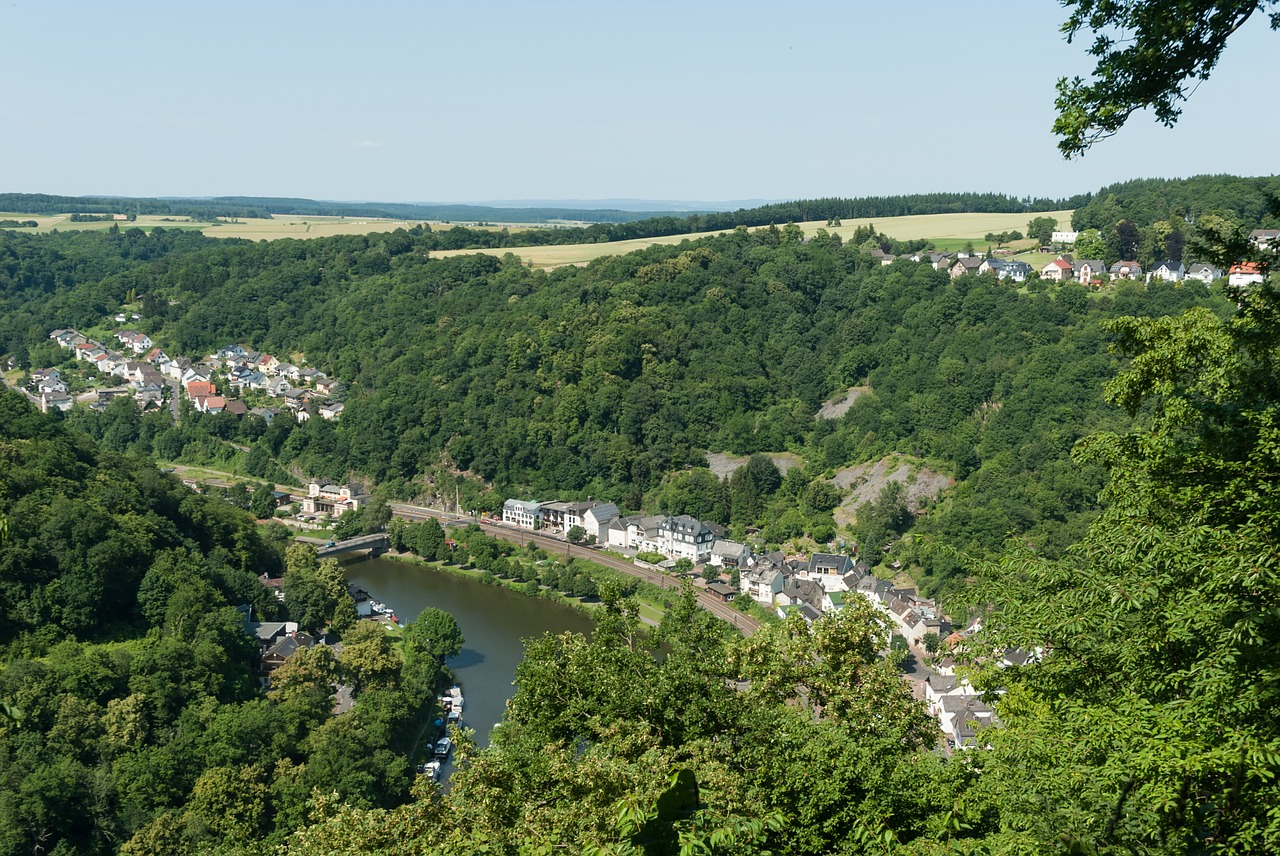 balduinstein,germany,village,town,buildings,houses,mountains,ravine,gorge,valley,sky,clouds,forest,trees,river,water,boats,country,countryside,free pictures, free photos, free images, royalty free, free illustrations, public domain