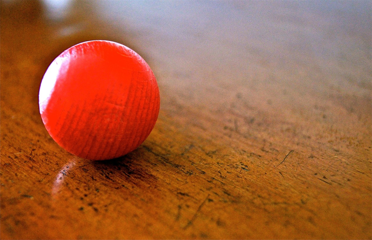 ball roll red free photo