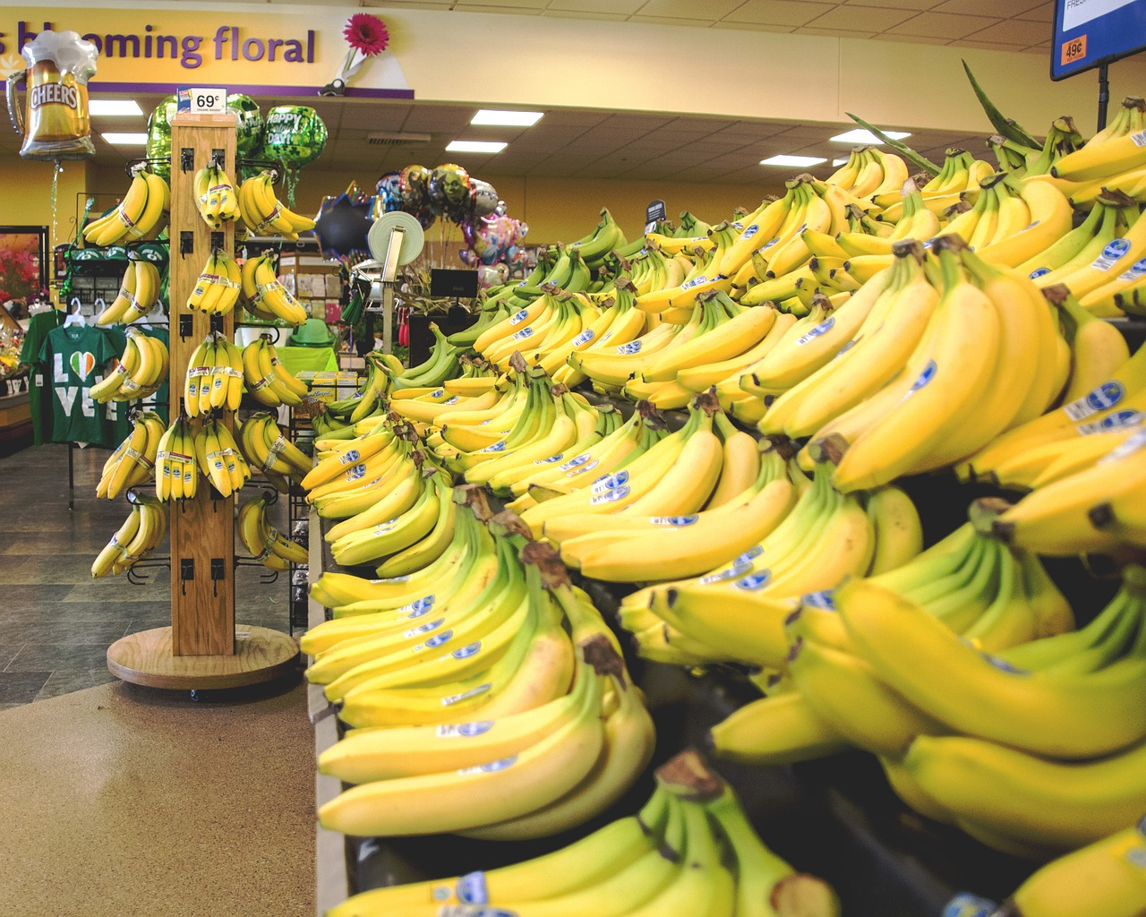 bananas food fruits free photo