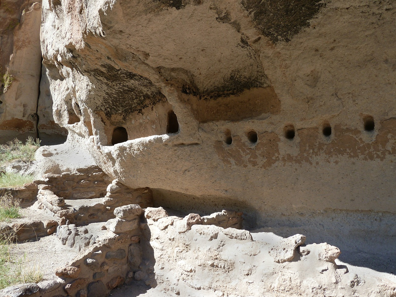 bandelier national monument cliff dwelling pueblo indian free photo