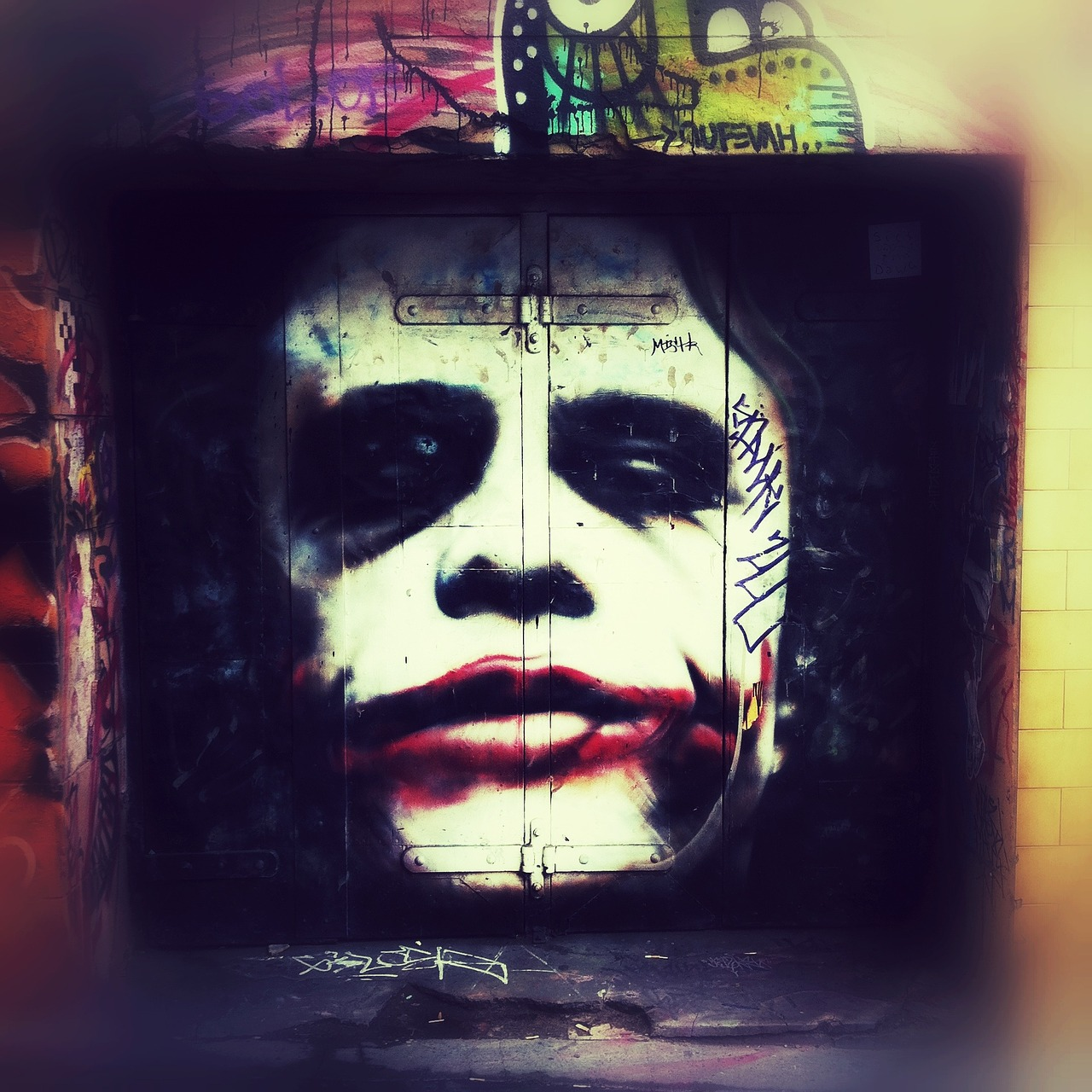 batman graffiti art free photo