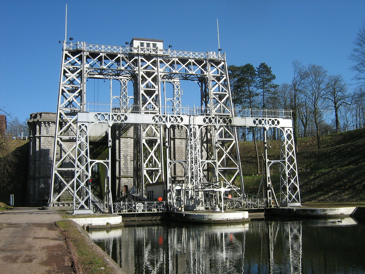 belgium boat lift structure free photo