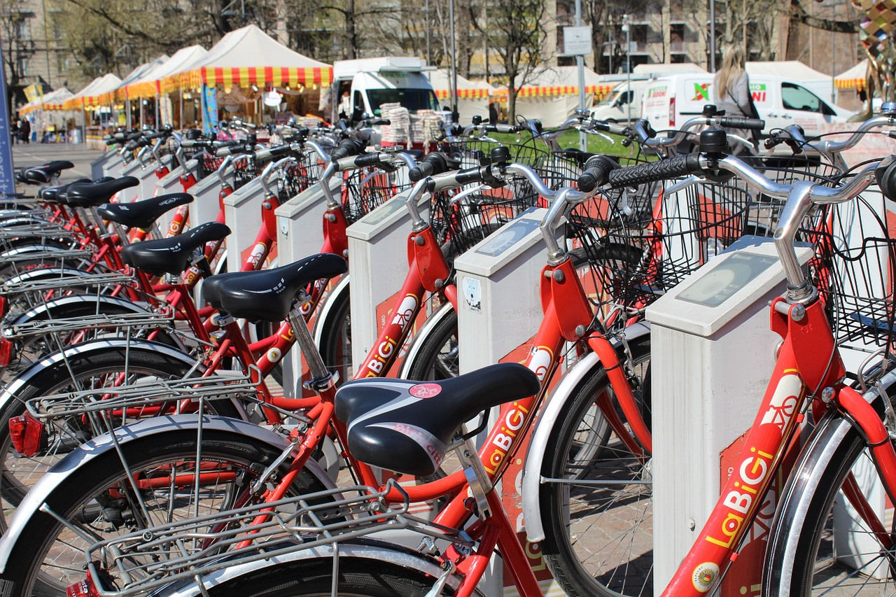 bicycles,bike sharing,transport,mobility,sustainable mobility,ecology,energy saving,free pictures, free photos, free images, royalty free, free illustrations, public domain