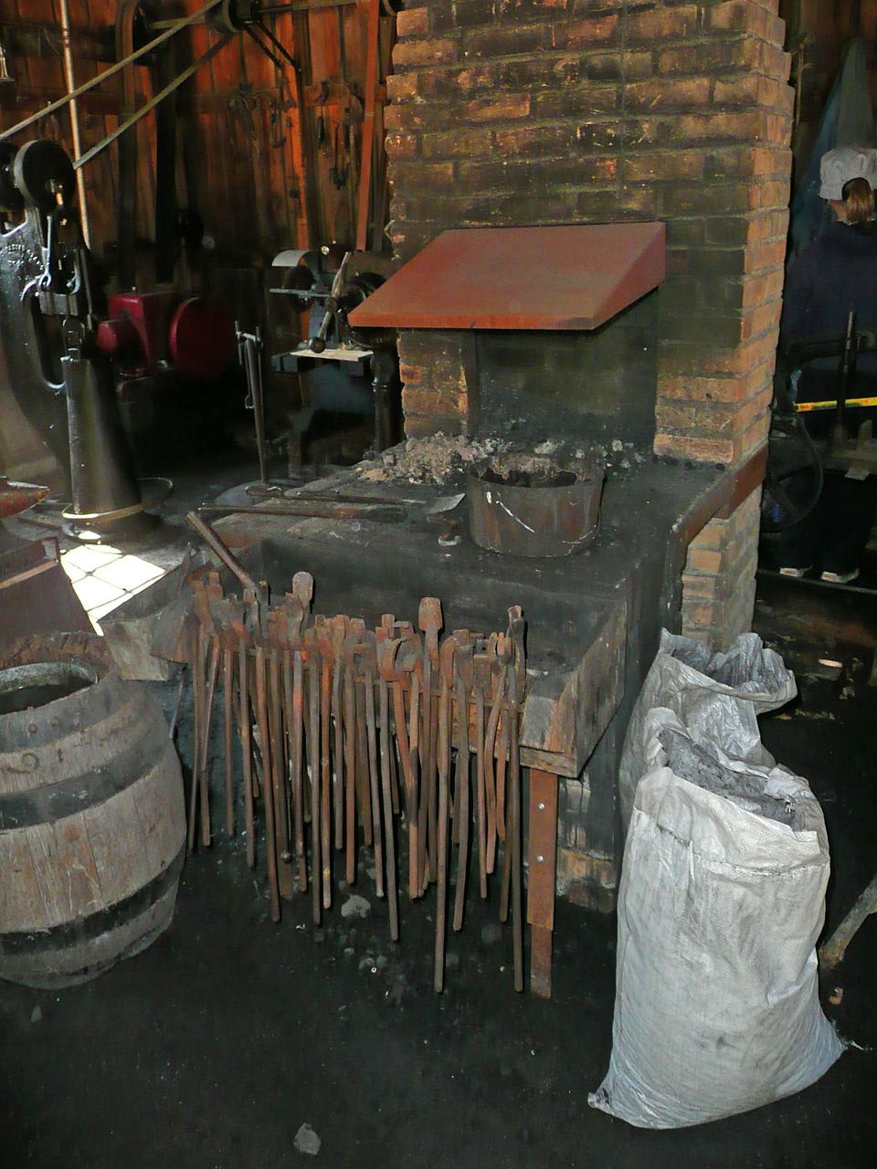 blacksmith locksmithery locksmith shop free photo
