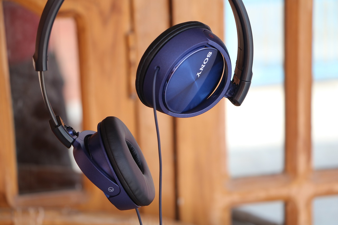 headphones blue colour free photo