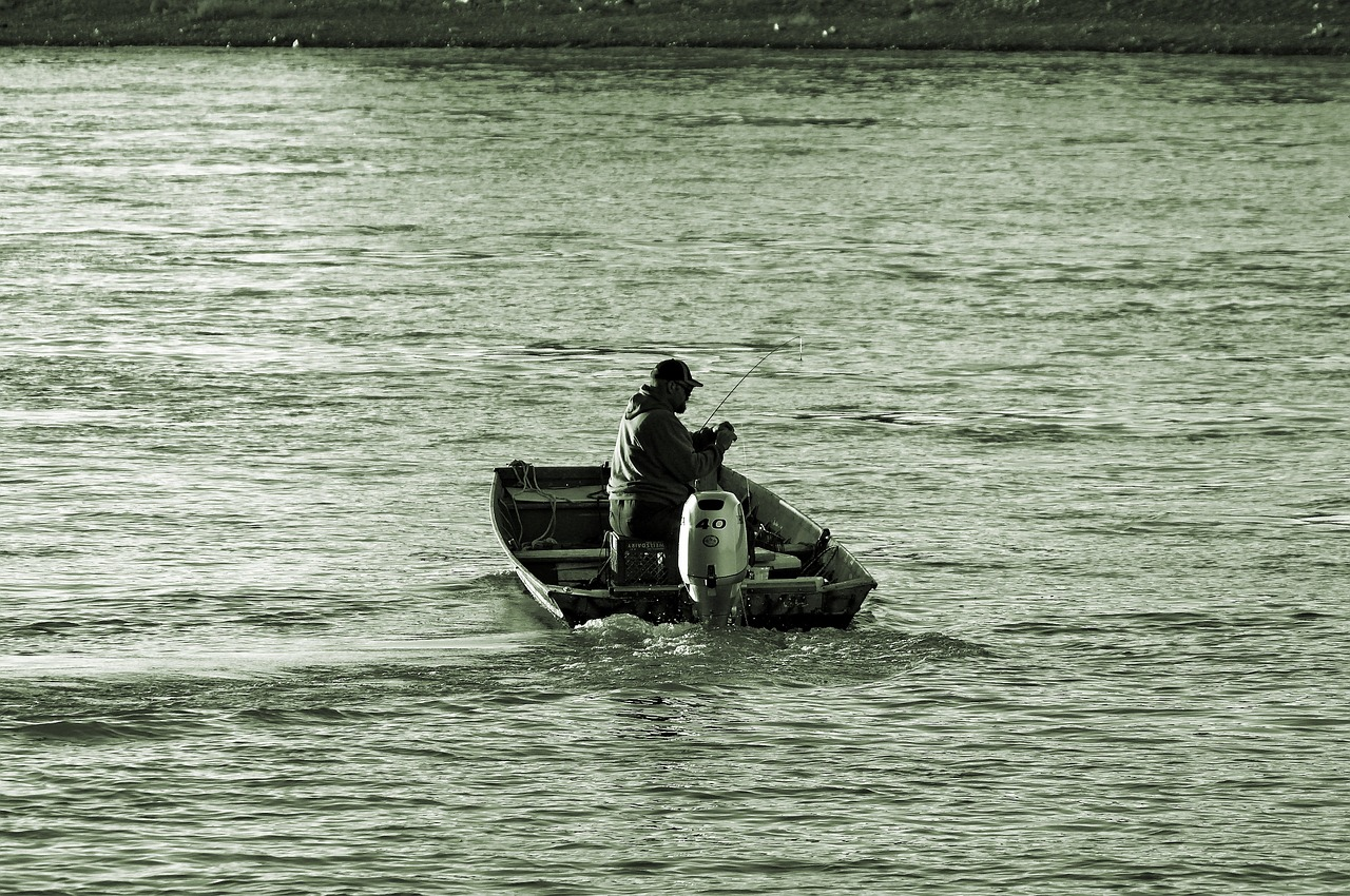 boat fishing missouri river  river  fishing free photo