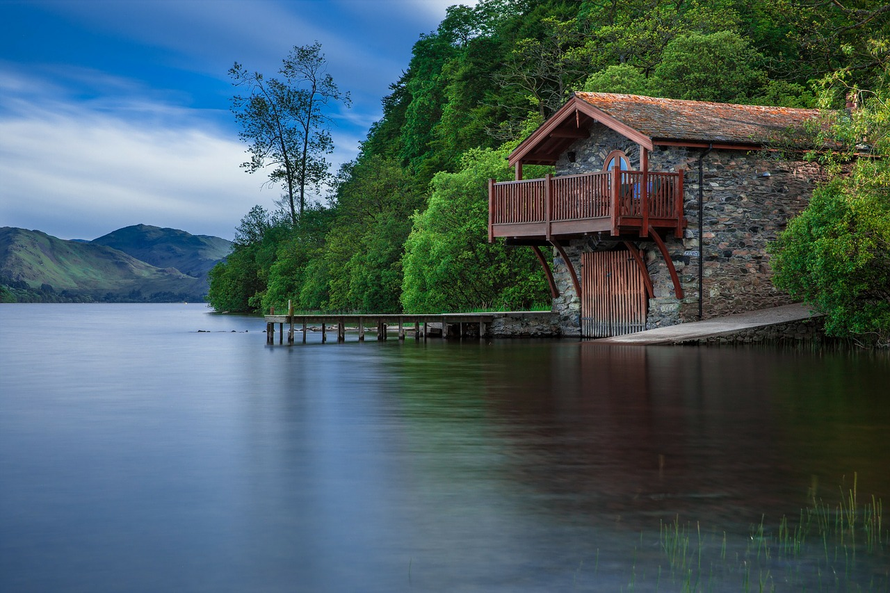 boat house cottage waters free photo