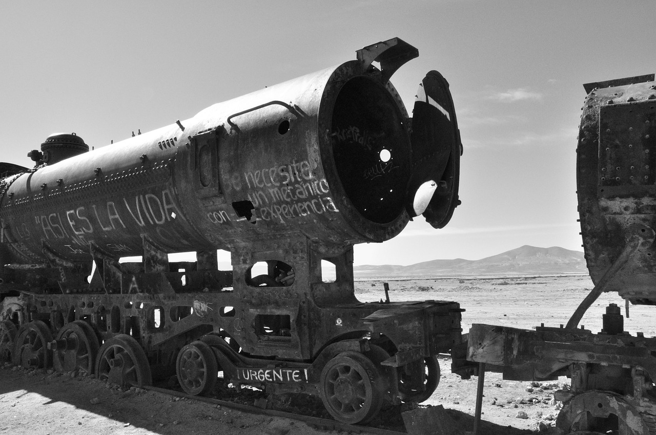 bolivia,uyuni,south america,train,black and white,wreck,train wreck,steam locomotive,rusty,salar de uyuni,salt flat,free pictures, free photos, free images, royalty free, free illustrations, public domain