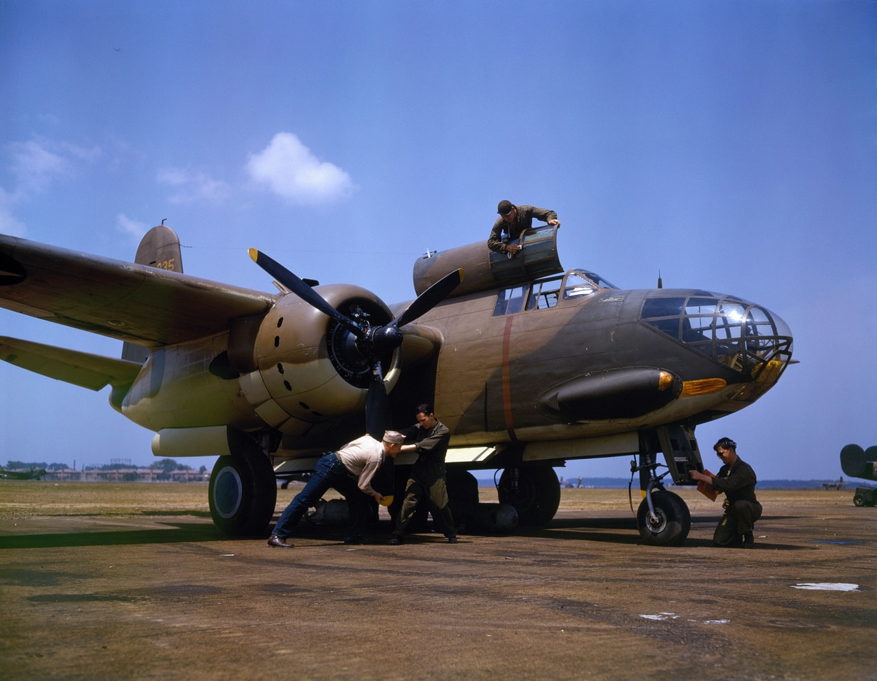 bomber battle bomber aircraft free photo