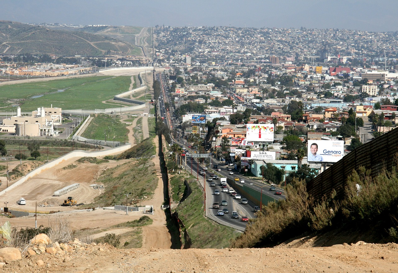 border mexico usa free photo