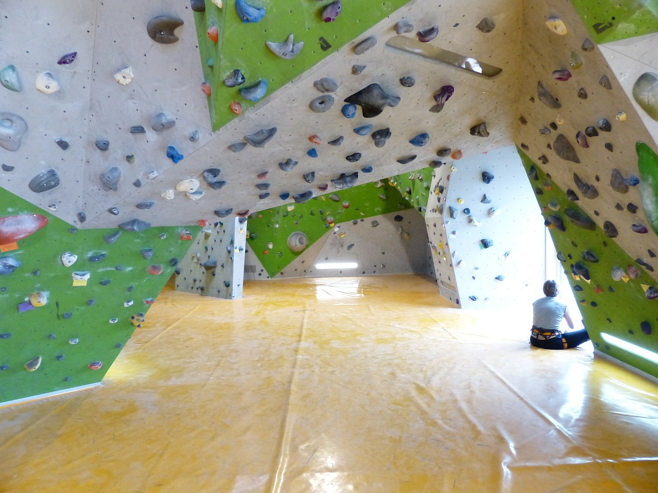 boulderhalle bouldering climbing holds free photo