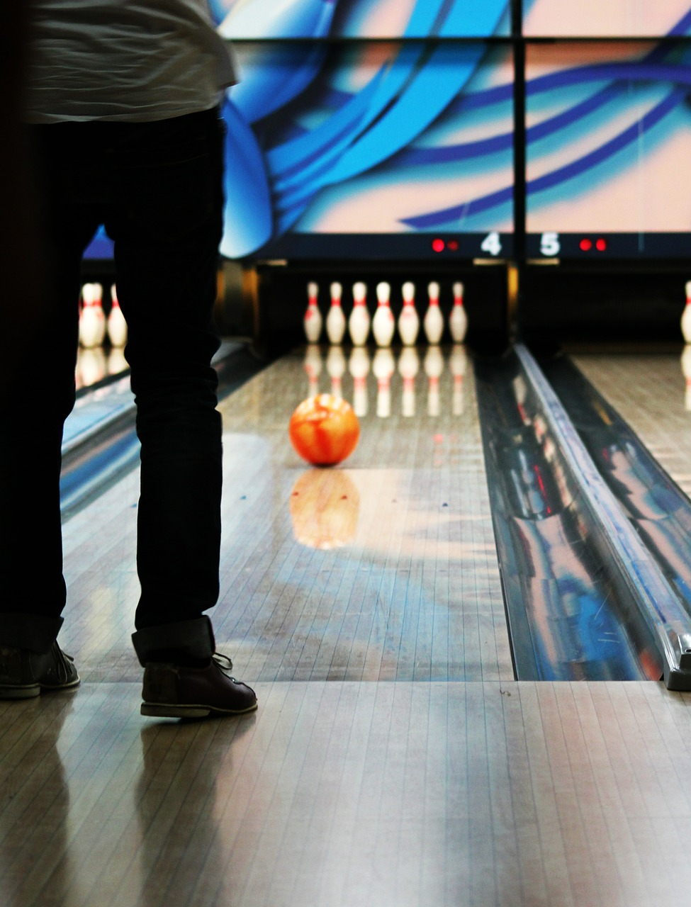 bowling bowling alley leisure free photo