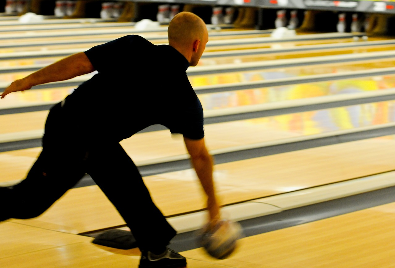 bowling bowler pins free photo