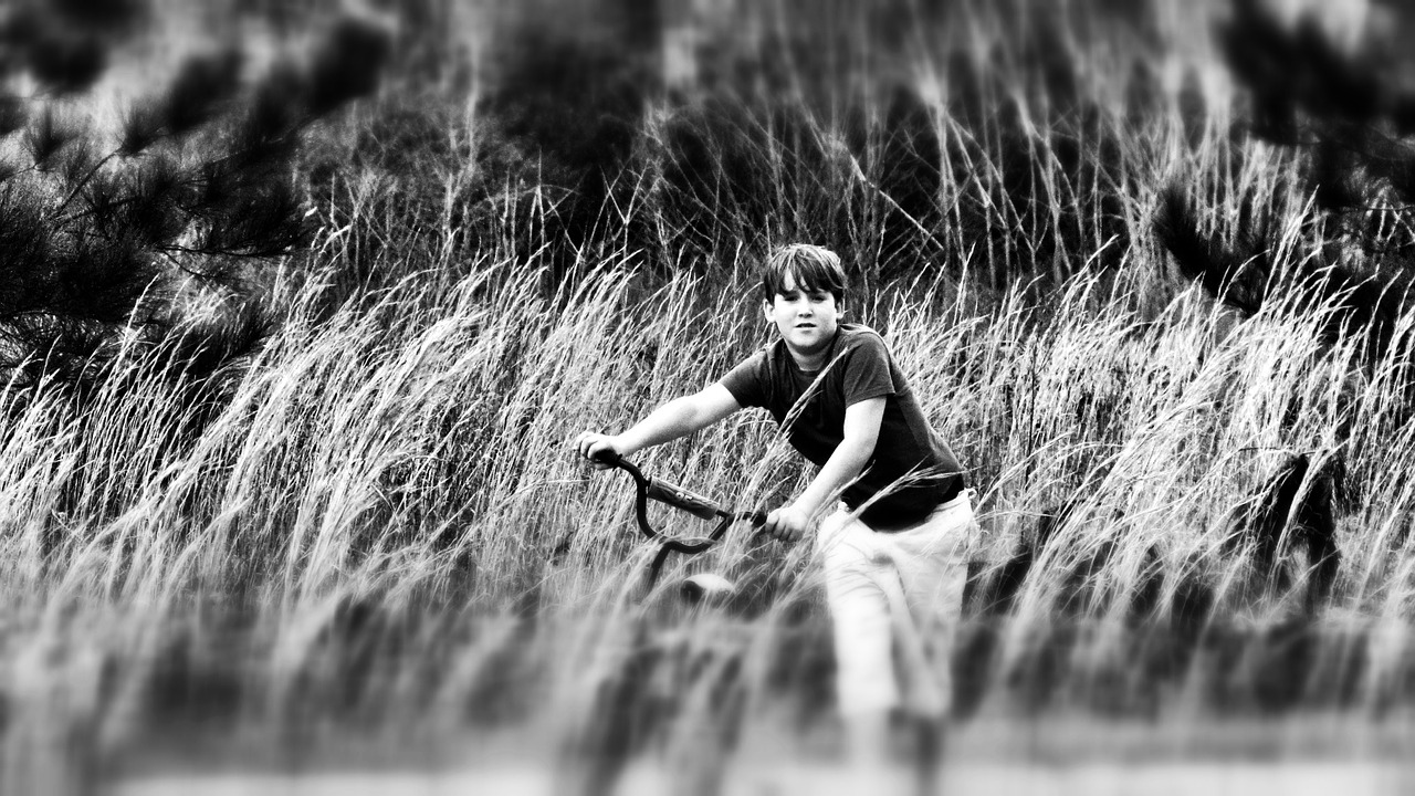 boy bike country free picture