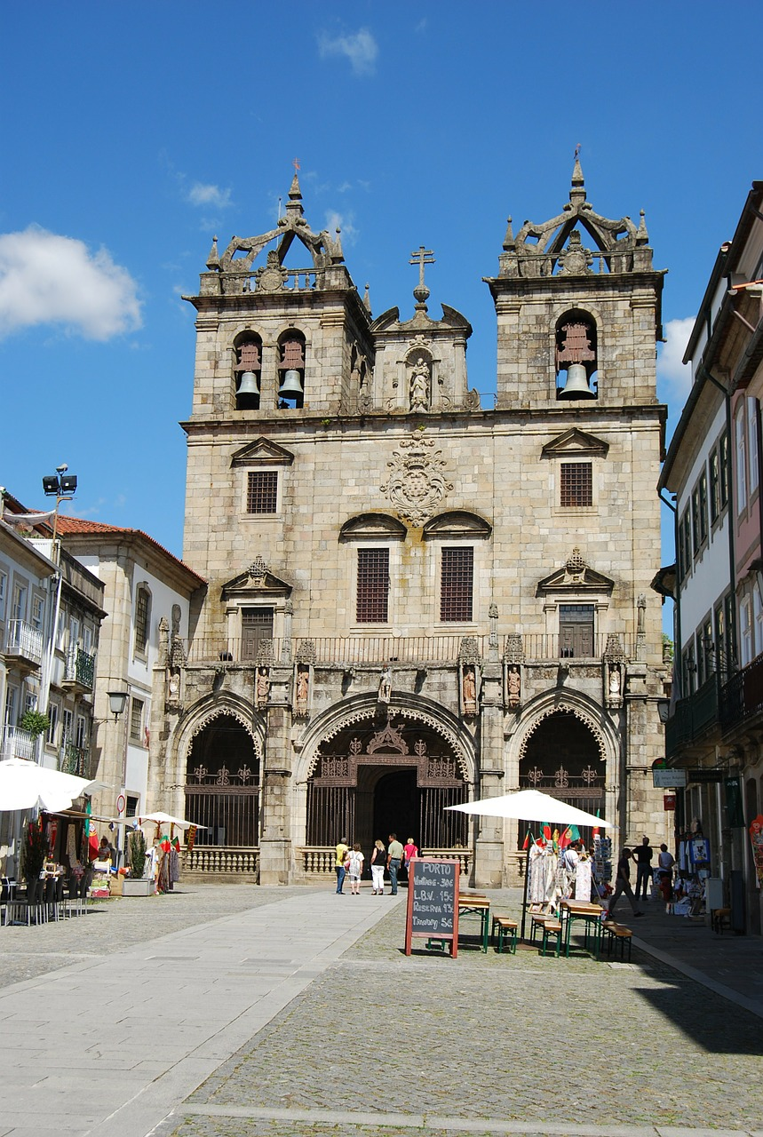 braga cathedral portugal free photo