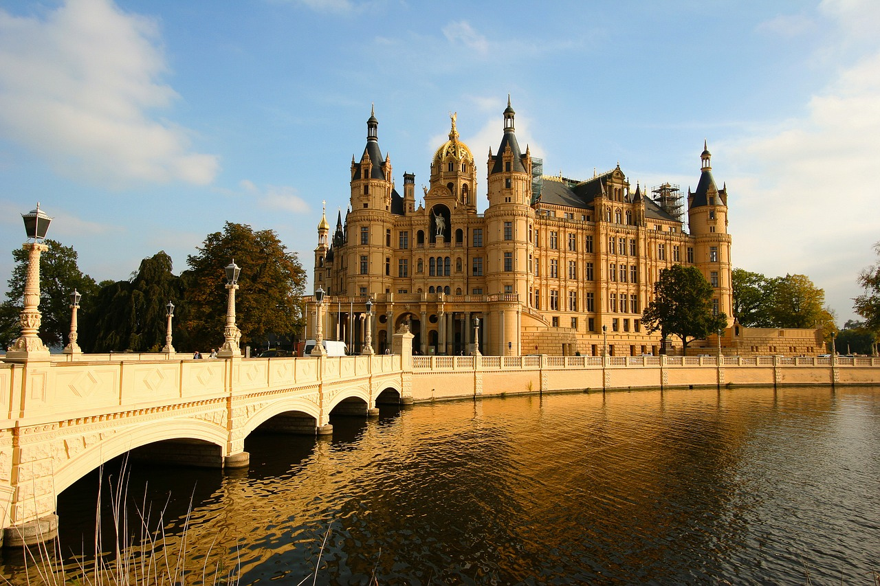 bridge castle schwerin free photo
