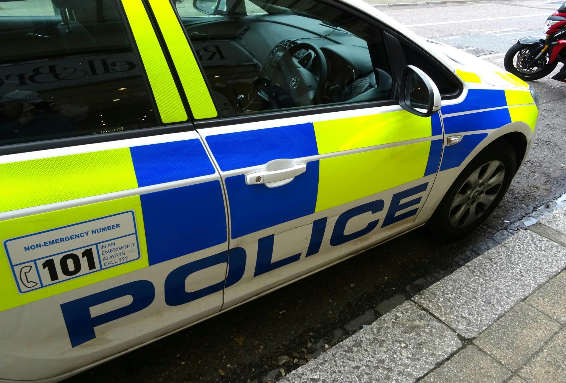 Police,cop,cops,british,car - free image from needpix.com