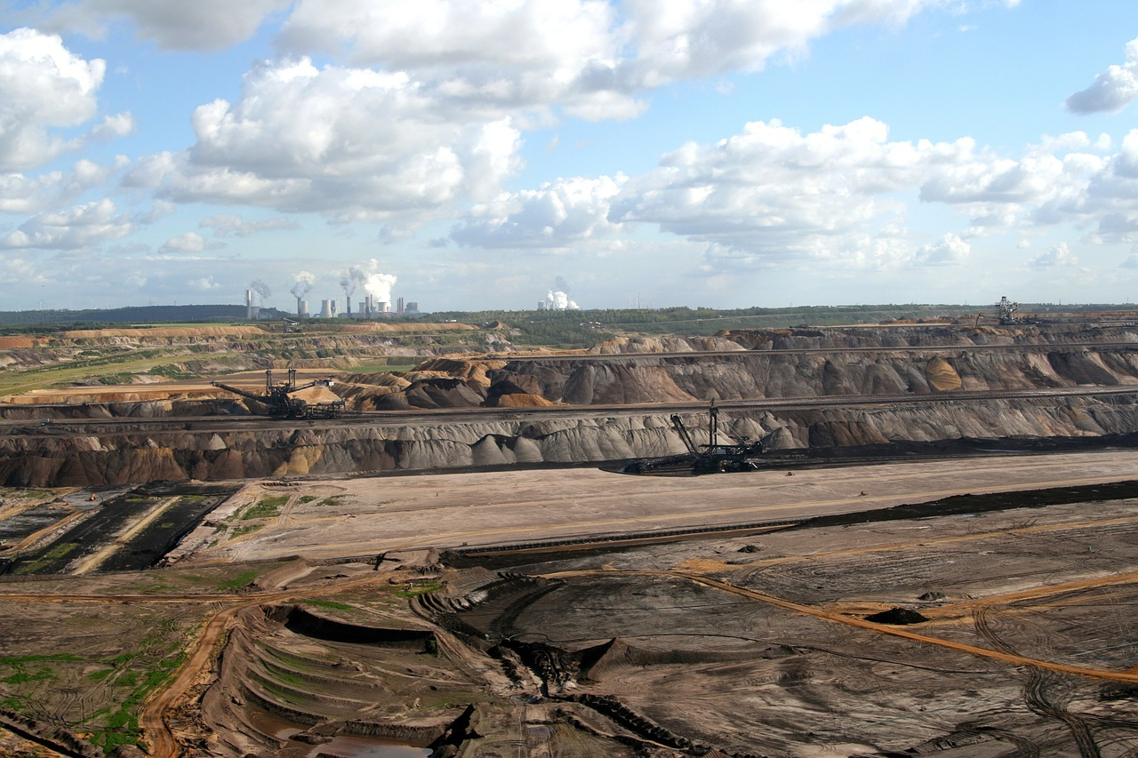 brown coal mining,open pit mining,coal mining,quarry,removal,dump,rheinbraun,garzweiler ii,raw materials,raw material extraction,free pictures, free photos, free images, royalty free, free illustrations, public domain