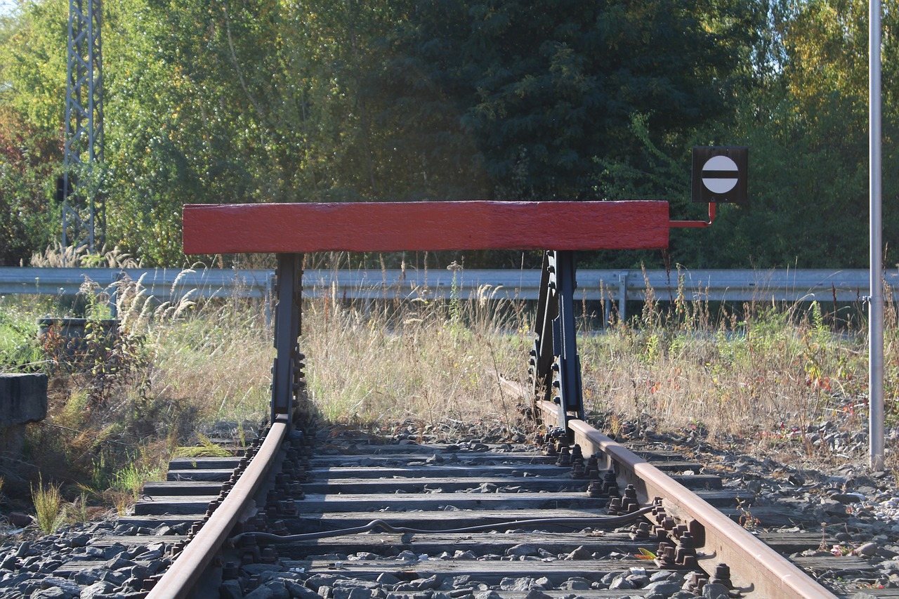 buffer stop  rails  gleise free photo