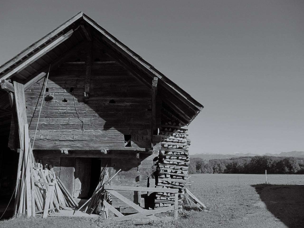 building old barn dilapidated free photo