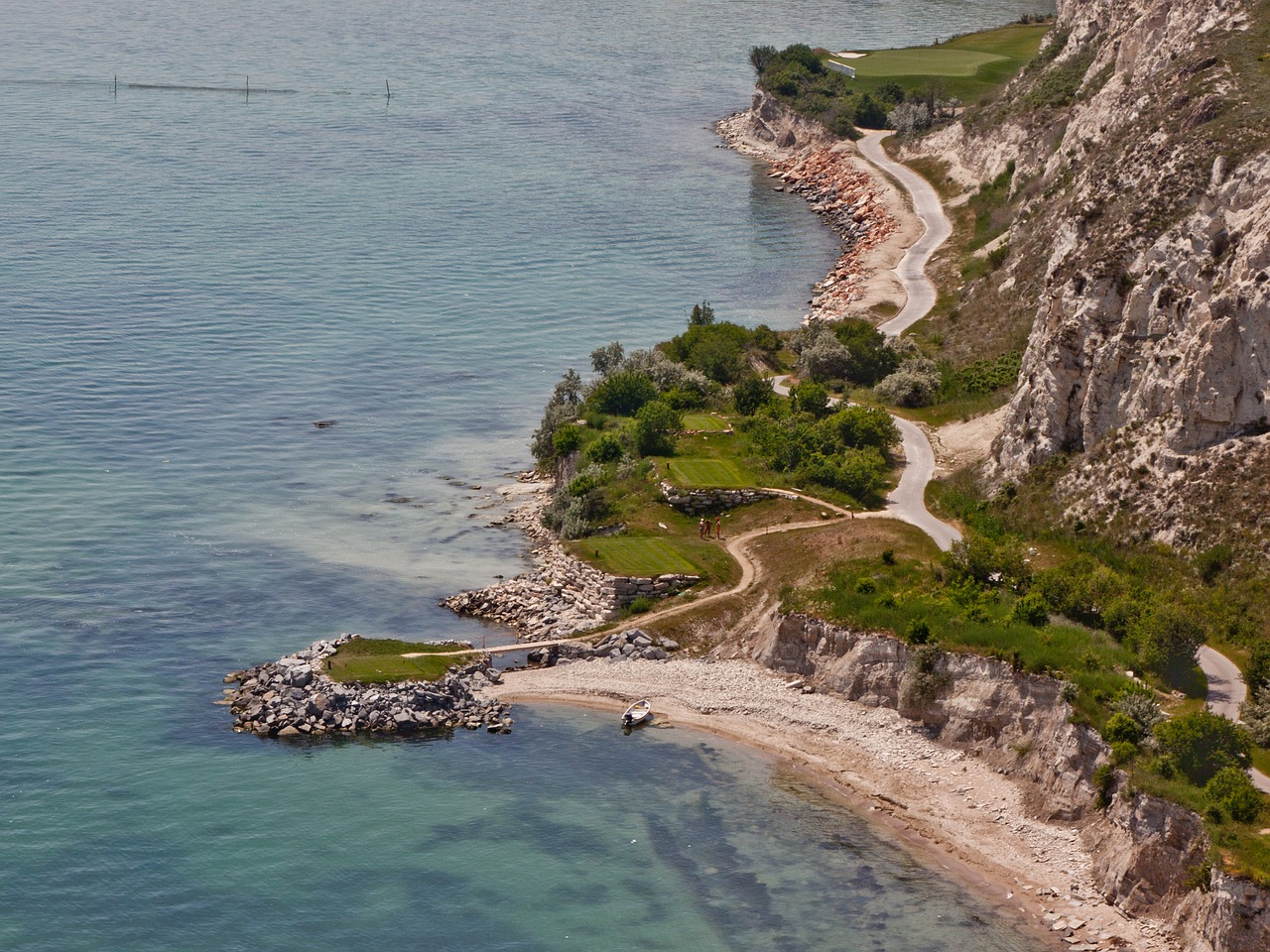 bulgaria golf thracian cliffs free photo