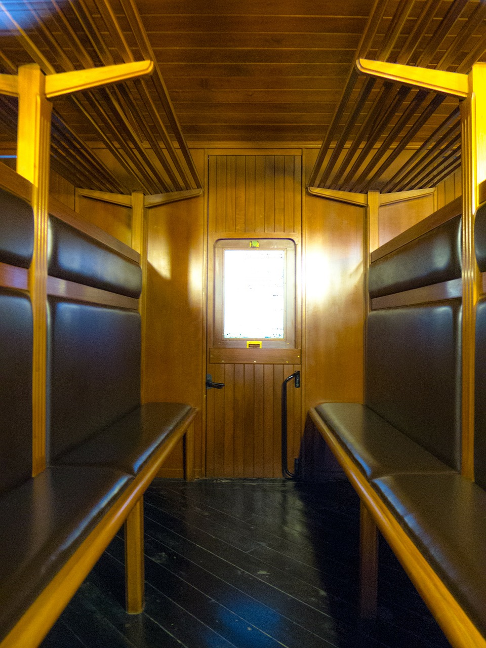 cabin wagon compartment free photo