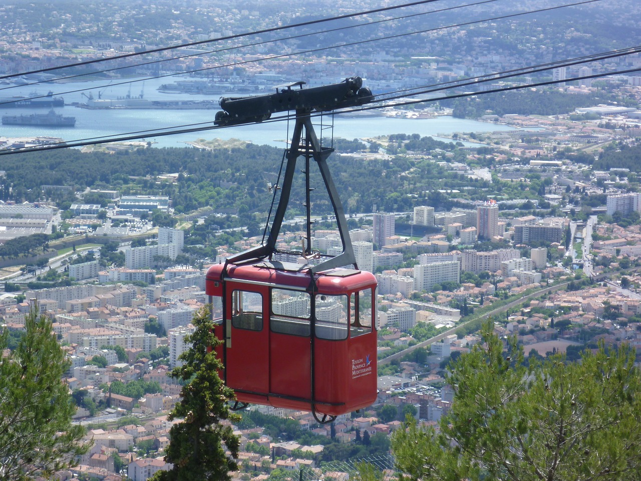 cable car toulon cabin free photo