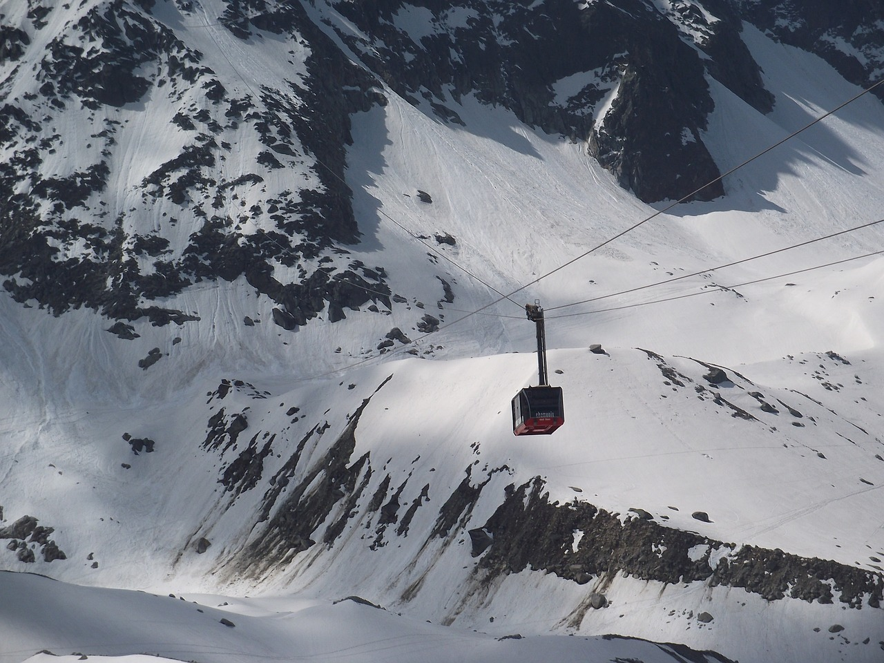 cable car  mont blanc  alps free photo