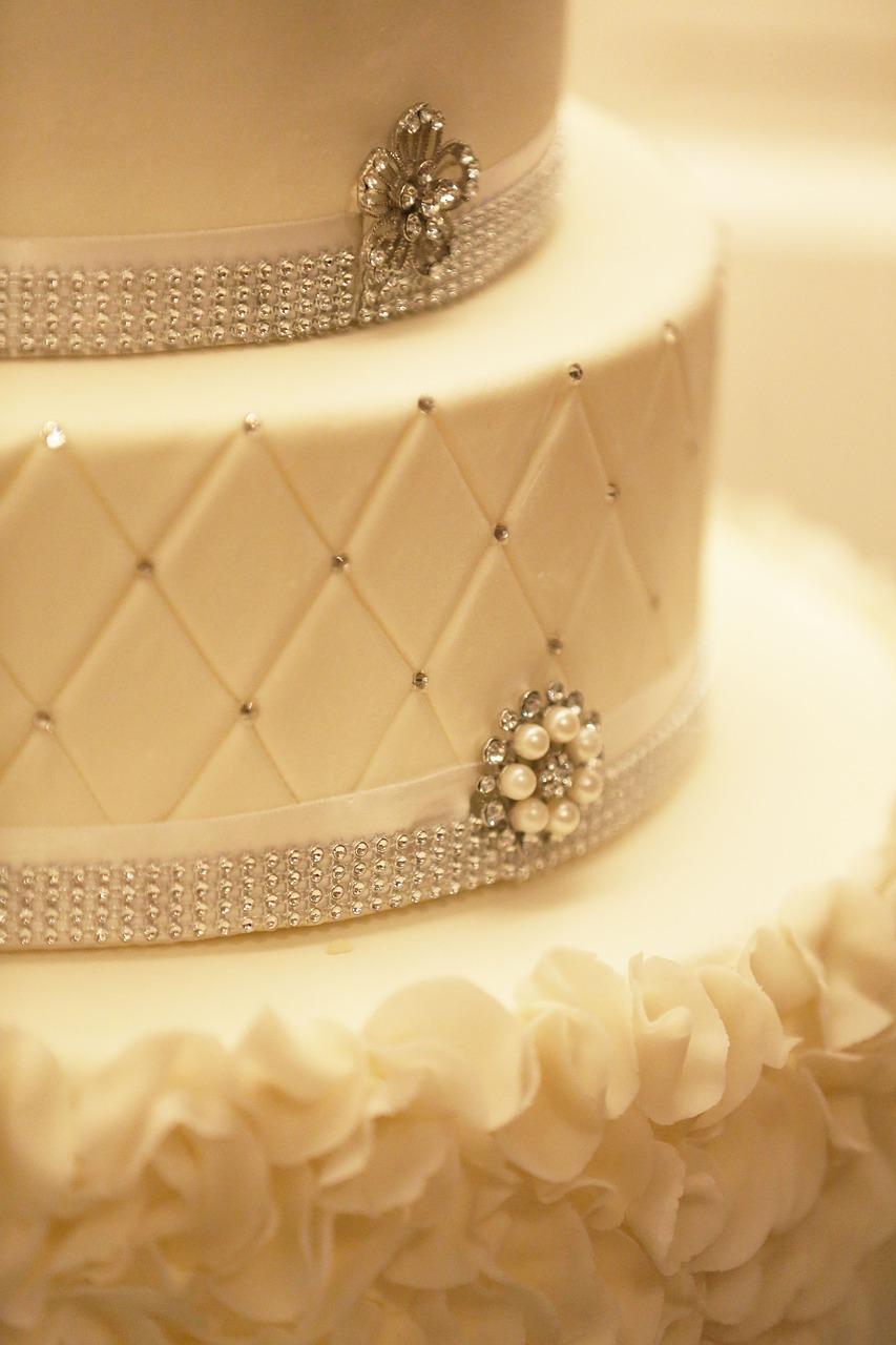Cake,decoration,wedding-cake,white,fancy - free photo from needpix.com