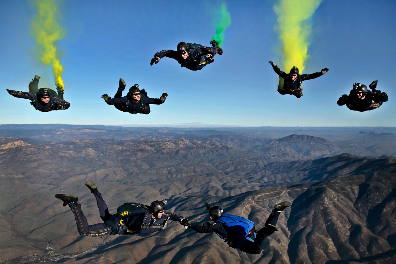 california parachutists skydivers free photo