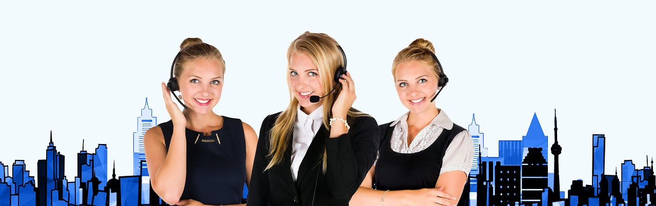 call center headset woman free photo
