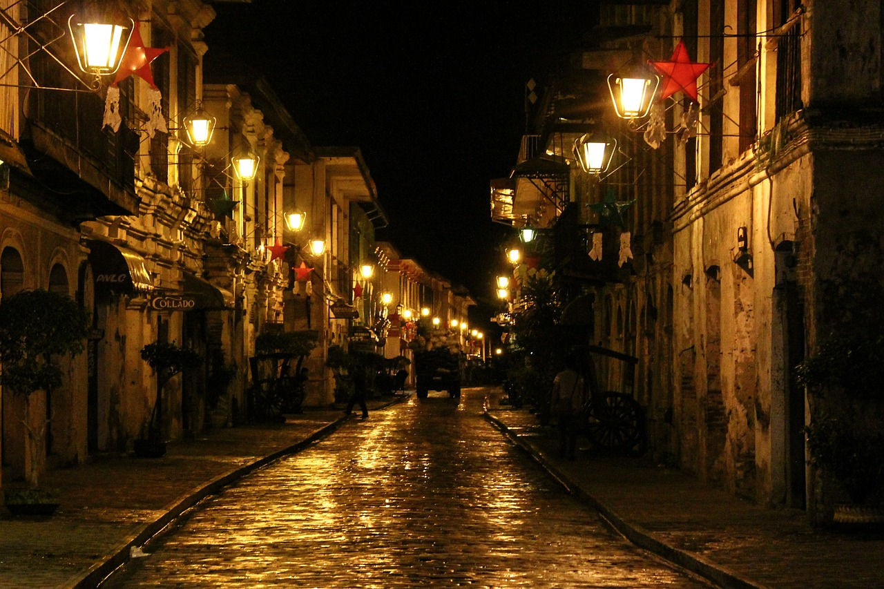 calle crisologo street lamp street lights free picture